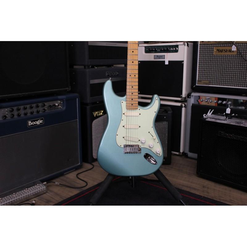 Fender Stratocaster Plus Sonic Grey + Étui - Occasion
