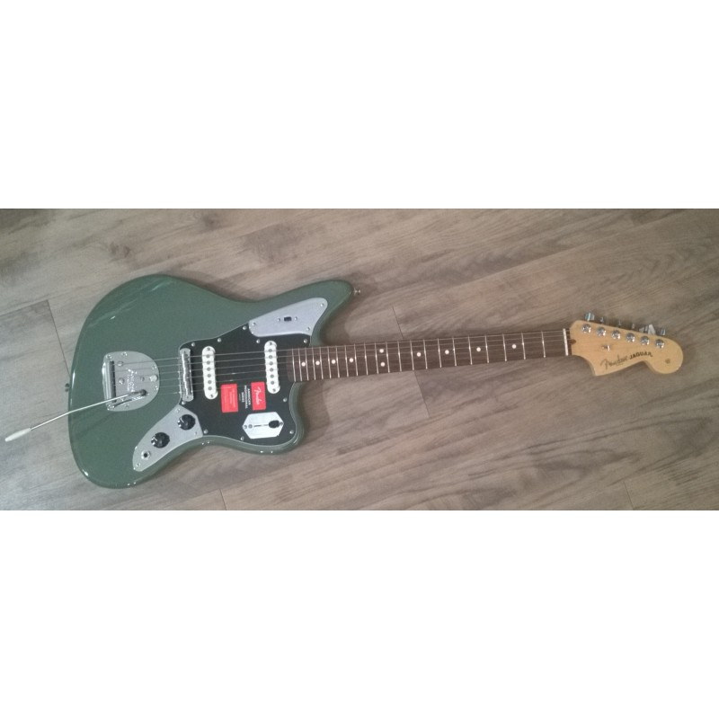 Fender Jaguar® American Professional Antique Olive Maple
