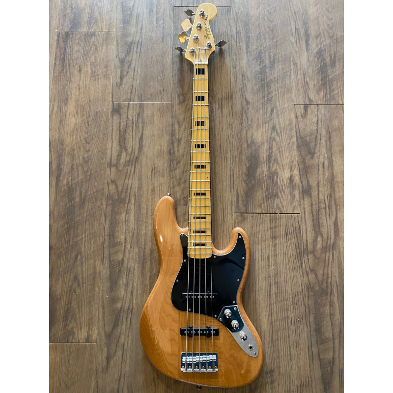 Squier Classic Vibe '70s Jazz Bass® V, Maple Fingerboard, Natural