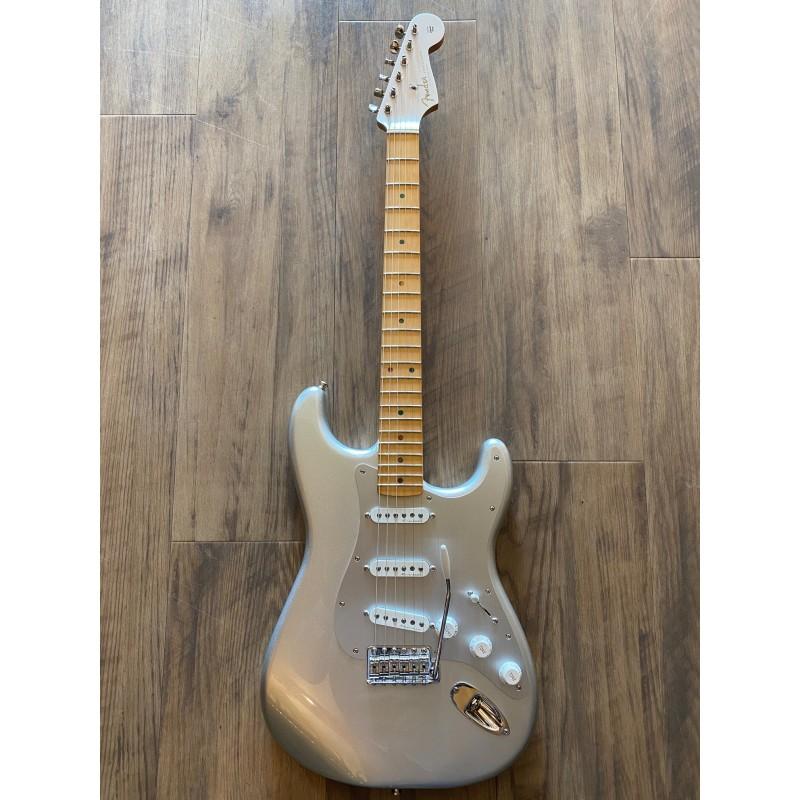 H.E.R. Stratocaster®, Maple Fingerboard, Chrome Glow