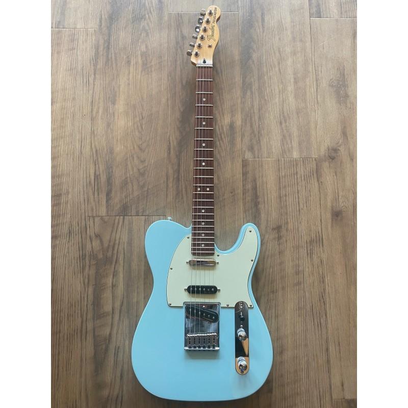 Fender Deluxe Nashville Telecaster®, Rosewood Fingerboard, Daphne Blue