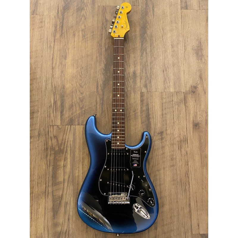 Fender American Professional II Stratocaster®, Rosewood Fingerboard, Dark Night
