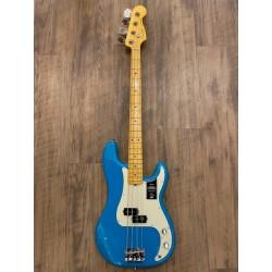Fender American Professional II Precision Bass®, Maple Fingerboard, Miami Blue