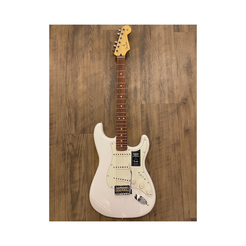 Fender Player Stratocaster®, Pau Ferro Fingerboard, Polar White