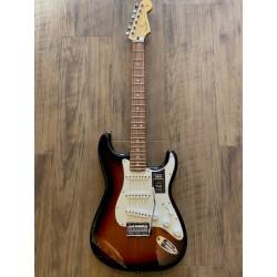 Player Stratocaster®, Pau Ferro Fingerboard, 3-Color Sunburst