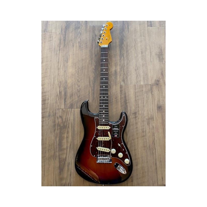 Fender American Professional II Stratocaster®, touche en palissandre, 3 couleurs Sunburst