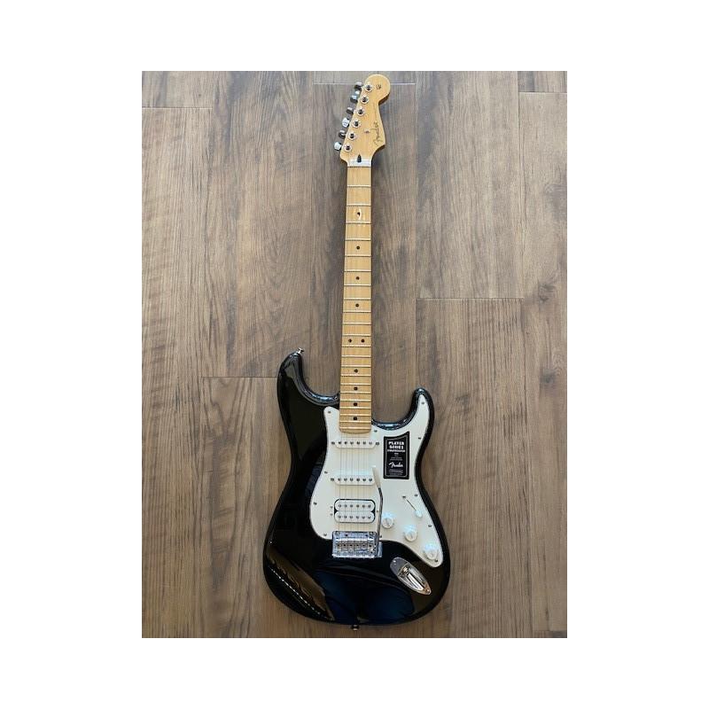 Fender Player Stratocaster® HSS, Touche Erable, Noir