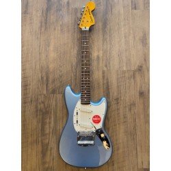 Squier FSR Classic Vibe '60s Mustang®, Laurel Fingerboard, Lake Placid Blue