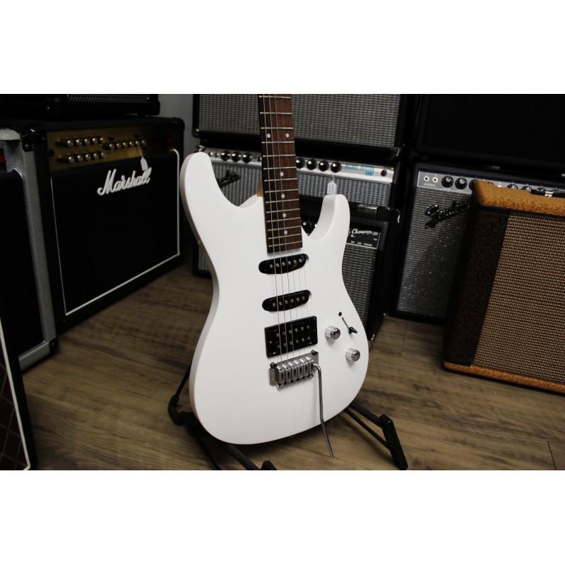 Ibanez GSA60GB-WH + Housse - Guitare électrique d'occasion